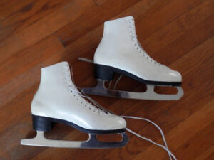 Barely used good quality figure skates (2 pairs)