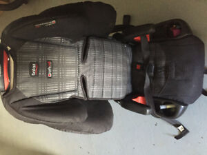 Britax pioneer booster seat excellent condition