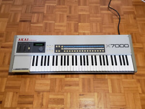Akai X7000 - 12 bit sampling keyboard / synthétiseur - upgradé!
