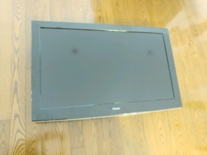 40inch LCD TV Haier with wall mount