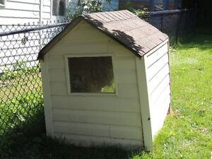 FREE Large Doghouse - needs some TLC