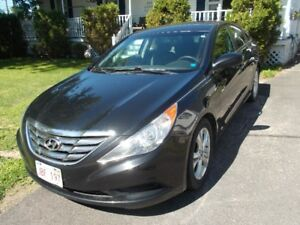 2011 Hyundai Sonata Sedan call 447-8035