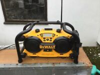 Dewalt DC011 Site Radio 240v / Battery