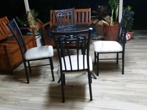 Stylish Outdoor 5 Piece Dining Set Excellent Condition Bray Park Pine Rivers Area Preview