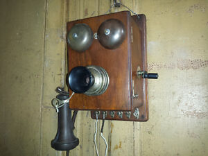 Telephone antique Bell