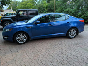 2011 Kia Optima EX Luxury *Safetied*