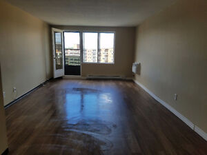 $ 750 2 Bedroom 1 bath all utilities included