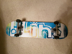 Selling like new blind skateboard