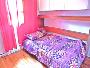 $450 Roomate DOWNTOWN aivailable, ALL INCLUDED for WOMEN