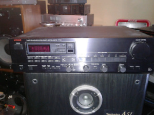 LUXMAN PRE AMP TUNER AND CD PLAYER