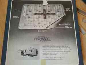 Vintage deluxe scrabble turntable game-red letters! Kitchener / Waterloo Kitchener Area image 5