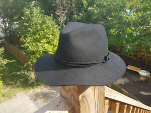 Forever 21 black Felt Hat w/ tags