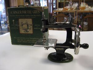 Child Sewing Machine -- FROM PAST TIMES Antiques - 1178 Albert