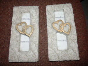 2 FAUX STONE FREE STANDING PICTURE FRAMES