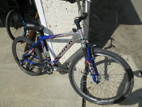 TREK 4300 SUPERLIGHT ALUMINUM FRAME MOUNTAIN BIKE