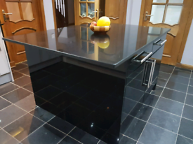 Black Quartz Worktop