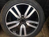 Brand new Land Rover 20inch black & polish alloys & tyres