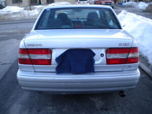 1998 Volvo S90  275,000kms