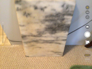 Solid marble cutting board. This is in perfect condition.