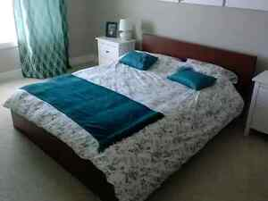 IKIA QUEEN BED AND DRAWERS SET