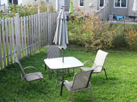 Patio dining set with 4 chairs and umbrella