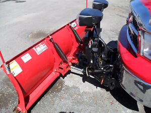 7.5 WESTERN SNOW PLOW -BOUGHT NEW IN DEC 2015--$3500