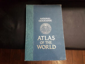 Large 1981 National Geographic Atlas 300+ pages