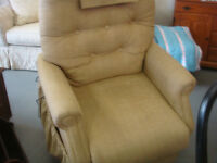 Reduced Price: Nexidea Traditional 3 Position Lift Chair