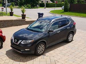 *FINANCE TAKEOVER* Nissan Rogue SV 2017 AWD