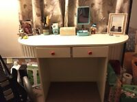 Lovely girls desk