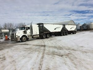 06 T800 with 05 doepker super b trailers