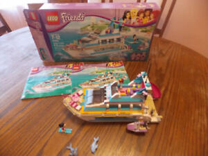 8 LEGO FRIENDS SETS