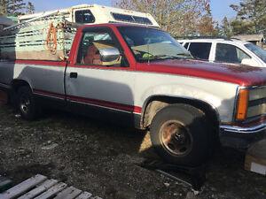 1992 GMC Sierra Grey Pickup Truck