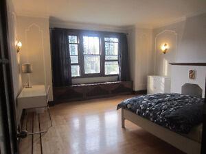 Belle chambre pour étudiante près de UdeM 1.Novembre 2016
