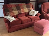 Rustic fabric suite in good condition
