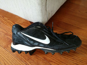Like NEW Nike football cleats Gatineau Ottawa / Gatineau Area image 1