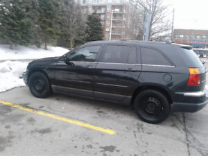 2005 Chrysler Pacifica Touring SUV. Fully Loaded.