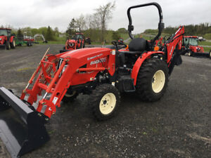 30HP tractor loader backhoe DEMO UNIT over $2200.00 in Savings