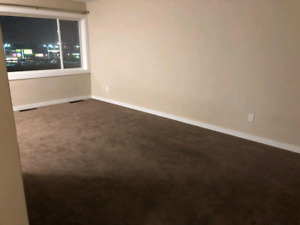 Share a room in 2 bedroom apartment