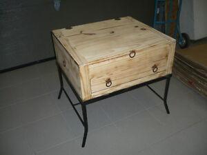 TABLE D'APPOINT POUR SALON