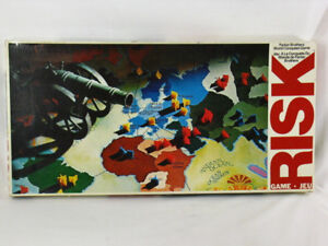 Vintage 1975 Risk World Conquest Board Game