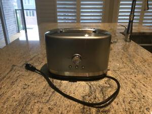 KitchenAid  2-Slice Toaster $40.00