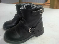 Child's Black Riding Boot Size 7