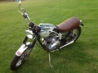 Triumph Bonneville 750cc £6995.00 Ono Cash on collection only. buyer collects. Wakering Essex.