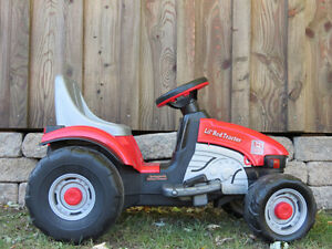 Peg Perego Kid's Ride On  Lil' Red Tractor
