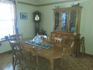 Maple Dining Set in Amherst