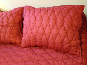West Elm Full/Queen Quilt and Shams