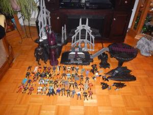 Lot de 56 Figurines De Batman et Batcave Forever A Voir