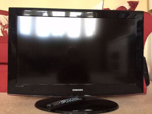 "USED Samsung 32"" LCD HDTV"