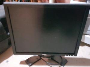 """Dell Monitor 15"""""""